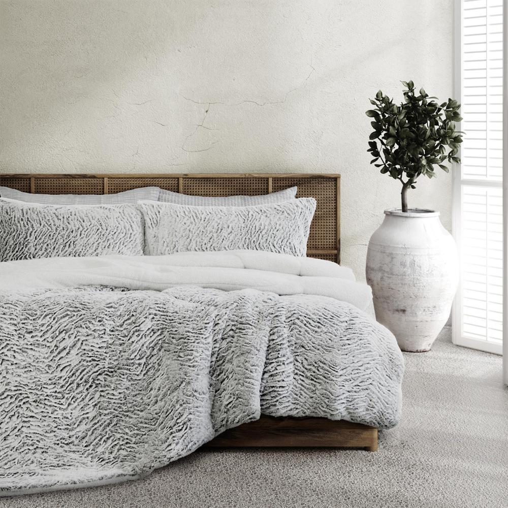 Ardor Boudoir Faux Fur Comforter Set