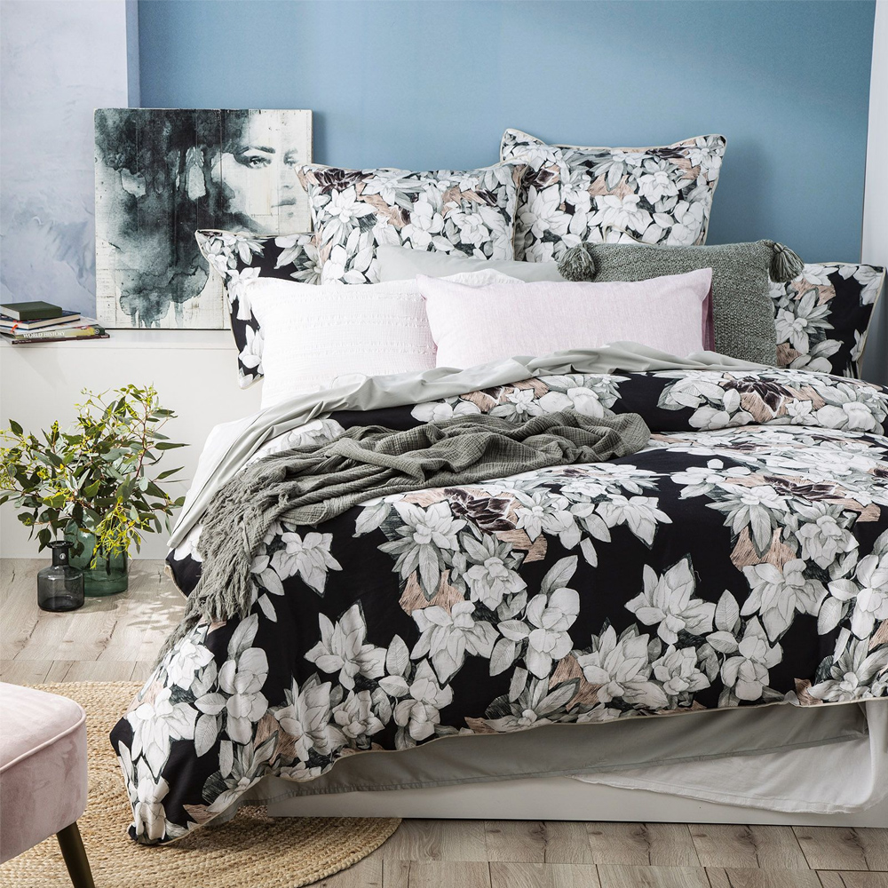 Renee Taylor Ivy 300 Thread Count Cotton Quilt Cover Set